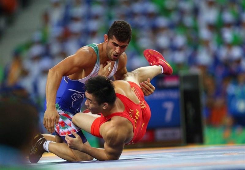 کشتی آزاد قهرمانی دنیا، عزت الله اکبری با برتری مقابل نماینده ژاپن به دور سوم صعود کرد