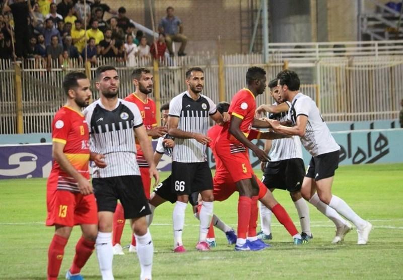 لیگ برتر فوتبال، نوار پیروزی های فولاد قطع و شکست ناپذیری نفت حفظ شد